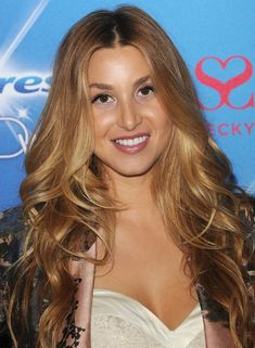 Whitney-Port-Long-Hairstyle-Curly-Hair-with-Center-Part.jpg (493×672)