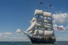 """19th Century Whaling Ship """"Charles W. Morgan""""  sails   again !"""