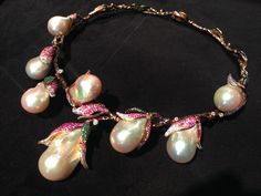 An incredible baroque pearl necklace by Jewellery Theatre