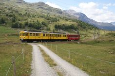 On the way back to station Bernina Lagalb, the two historic motor cars ABe 4/4 34 and ABe 4/4 30 returned from the Engadin.