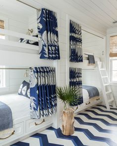 Why Your Beach House Floors Should Go Pattern-Wild (Hint: It's SO Worth It ) Bunk beds! By Homes Editor Ellen McGauley As clever design ideas go, patterned flooring in beach houses ranks right up there with bunk beds and outdoor showers. You can hide sand Bunk Rooms, Dream Beach Houses, Hamptons Beach Houses, Coastal Living Rooms, Coastal Cottage, Coastal Decor, Coastal Living Magazine, Coastal Bedrooms, Coastal Farmhouse