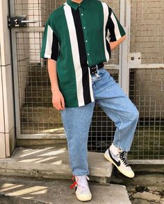 Top Vintage Outfits Retro Men – These recommendations will assist you with monitoring patterns to guarantee your closet is consistently in style. 80s Fashion Men, Thrift Fashion, Urban Fashion, Retro Fashion, Trendy Fashion, Plus Size Fashion, Fashion Outfits, Vintage Fashion Men, Vintage Men