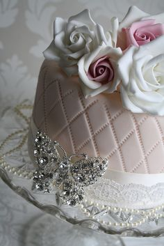 @KatieSheaDesign ♥❤♡ ♥ ❥❥ #Cake  #Vintage by Cotton and Crumbs, via Flickr--gorgeous