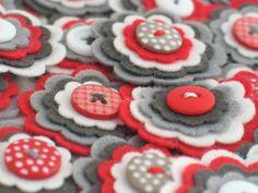 SPECIAL OFFER 20 Handmade Felt Flower van chocolatecupcake op Etsy