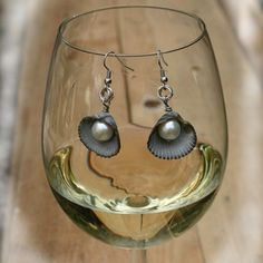 Now if I can find that bag of mussel shells.....Tutorials | JewelryLessons.com