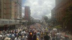 #Foto AV Victoria de #Caracas durante #TomaDeCaracas #Protesta Nacional en #Venezuela hoy  @CESCURAINA/Prensa en Castellano en Twitter