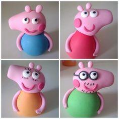 Tarta decorada Peppa Pig. Parte 2: Montaje y decoración. Peppa Pig y su familia en fondant. http://quecocinacass.blogspot.com.es/2014/05/tarta-decorada-peppa-pig-parte-2.html