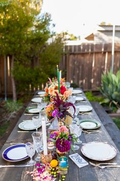 10th anniversary dinner party! | Photography : Sierra Solis Photography - http://www.sierrasolis.com/ Read More on SMP: http://www.stylemepretty.com/living/2016/01/15/garden-10th-wedding-anniversary-party/
