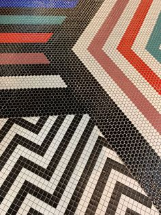 ¡Formas inesperadas, patrones coloristas y asimetrías que rompen reglas! Suelo del stand de #Hisbalit en @cersaie 2021 Mosaic Floors, Flooring, Decor, Mosaics, Creativity, Patterns, Yard Sticks, Shapes, Decoration
