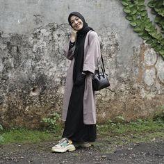 Hijab Style Dress, Modest Fashion Hijab, Casual Hijab Outfit, Muslim Fashion, Korean Outfit Street Styles, Hijab Fashionista, Hijab Fashion Inspiration, Islamic Clothing, Mode Hijab