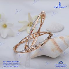 Enthrall with Diamond bangles. Gold Ring Designs, Gold Bangles Design, Gold Jewellery Design, Bracelet Designs, Necklace Designs, Fancy Jewellery, Diamond Bangle, Women Jewelry, Kaftans