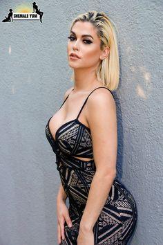 Hot Domoni Women Nude Gif