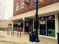 Champaign-Urbana welcomes these new restaurants to the UIUC campus. #HCIllinois