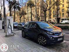 "BMW i3 ""repostando"" 🔌  #autonoble #bmw #bmwi3bornelectric #electriccar #barcelona #future #exoticcar #carlifestyle #carswithoutlimits #carsgram #autos #instagood #amazing #instacar #carsinmyway #millionaires #luxury #picoftheday #checklist #instacar #carlovers www.autonoble.mx @bmwi"