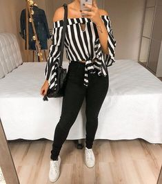 Pin by Lauri Angelique on Moda in 2019 Stylish Outfits, Fall Outfits, Summer Outfits, Jean Outfits, New Fashion, Fashion Outfits, Womens Fashion, Pinterest Fashion, Ideias Fashion