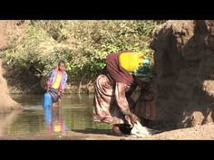 Can you imagine sending your daughter or wife to go get of water a day that they carry on their back? Now imagine not ever being able to go to school to learn because you were to busy getting water daily. A Long Walk To Water Lessons, Teaching Social Studies, Teaching Writing, 7th Grade English, 7th Grade Ela, Engage Ny, Water Challenge, Water Pollution, Water Activities