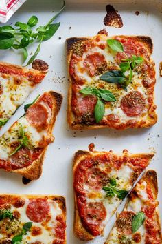 Simple pizza toast recipe for kids - lunch recipes for kids - . - Easy Pizza Toast Recipe for Kids – Lunch Recipes for Kids – - Lunch Snacks, Lunch Recipes, Healthy Snacks, Breakfast Recipes, Cooking Recipes, Healthy Recipes, Easy Recipes, Cooking Food, Pizza Recipes