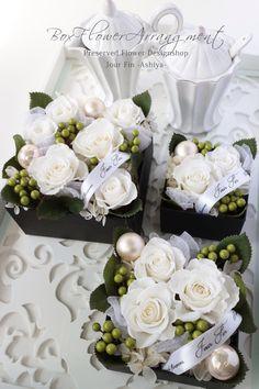 『ボックスフラワー』 贈り物に大人気なプリザーブドフラワーのBOXフラワーです。『WHITE』清楚で上品な女性のイメージ♪ 『JourFin 』ジュール・フィン 兵庫県 芦屋プリザープドフラワー・アーティフィシャルフラワー教室&ショップ 『Jour Fin』Preserved flower and artificial flower salon&shop in ashiya JAPAN http://jourfin.shopinfo.jp/ オンラインショップ http://jourfin.com