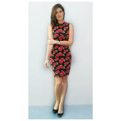 Vestido floral preto e vermelho, uma das minhas peças favoritas da vida!