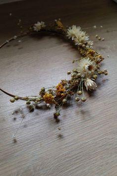 Dried flower crown on metal circle Dried Flower Wreaths, Dried Flowers, Fresh Flowers, Deco Floral, Arte Floral, Viking Wedding, Foliage Plants, Floral Crown, Diy Wreath