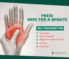 Shiatsu Massage – A Worldwide Popular Acupressure Treatment - Acupuncture Hut Hand Massage, Massage Tips, Massage Techniques, Massage Therapy, Massage Room, Acupressure Massage, Acupressure Treatment, Reflexology Massage, Acupressure Therapy
