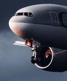 Boeing Aircraft, Boeing 777, Boeing Planes, Passenger Aircraft, Commercial Plane, Commercial Aircraft, Air Fighter, Fighter Jets, Qatar Airways Cabin Crew