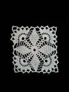 Crochet doily - Square doilies - Pink - Home decor - Pink crochet doilies - Mothers Day - Handmade Vintage Crochet Patterns, Crochet Blocks, Granny Square Crochet Pattern, Crochet Squares, Crochet Motif, Crochet Designs, Crochet Doilies, Crochet Flowers, Knit Crochet