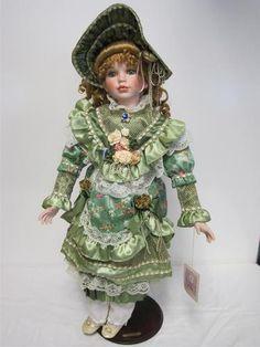 Vintage Classic Memories Nicole Porcelain Doll Collectable Victorian Dress ZL3 | eBay