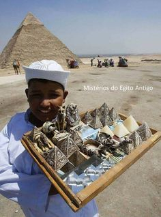 Waiting for the tourists -Egypt Nile River, Giza, Panama Hat, Egyptian, History, Waiting, Memories, Amazing, People