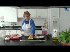Pollo en pepitoria o pollo al huevo - YouTube