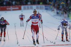 Sprint Women .GULL: Marit Bjørgen går inn til gull på sprinten.Stina Nilsson Sølv og Maiken Cspersen Falla Bronse.