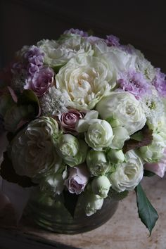 rose.scabiosa. love the mix of sizes