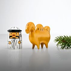 Amir and Camelus Figurines for the Holidays: part of Alessi's modern Christmas decor and Nativity collection made in Italy. Christmas Nativity Set, Little Christmas, Christmas Crafts, Christmas Decorations, Xmas, Christmas Ideas, Modern Christmas Decor, Christmas Fashion, Camelus
