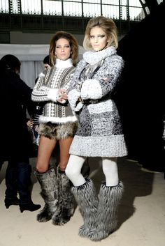 Backstage @ Chanel - Fall/Winter 2010