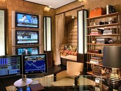 Ultimate Home Office Design With High Tech Computer And Lcds And Elegant Layout