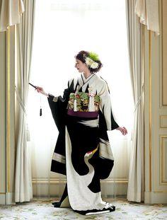 優雅にまとう 大人のためのきものスタイル | ウエディング | 25ans(ヴァンサンカン)オンライン Wedding Kimono, Wedding Dresses, Modern Kimono, Japanese Costume, Hanfu, Costumes For Women, Hair Pins, Culture, Bride