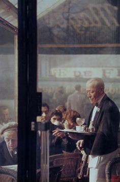 A photograph I am fortunate to own. Saul Leiter is a treasure.