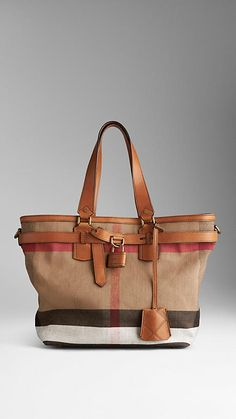 Brit Check Traveller Bag - want.