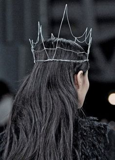"""Fancy - Wire Crown.         Can take a hot glue gun and """"bead"""" it."""