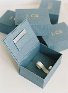 Heirloom Bindery Jon Cu Branding Custom Gray and Gold Print Boxes