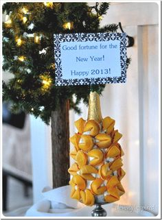new-years-eve-fortune-cookie-display-cleverlyinspired