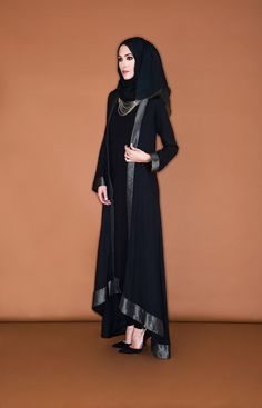 Today here we offer kimono abaya with detail look. Open style long sleeve flare abaya can wear with Hijab Abaya, Hijab Dress, Hijab Outfit, Kimono Abaya, Abaya Fashion, Modest Fashion, Fashion Dresses, Muslim Women Fashion, Islamic Fashion
