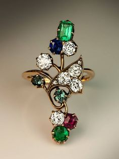 Best Diamond Engagement Rings : An Antique Art Nouveau Gemstone Flower Ring. Russian, made in Kazan between - Buy Me Diamond Bijoux Art Nouveau, Art Nouveau Ring, Art Nouveau Jewelry, Jewelry Art, Antique Jewelry, Gold Jewelry, Vintage Jewelry, Fine Jewelry, Fashion Jewelry