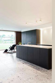 Modern Home Decor Kitchen White Countertops, Kitchen Countertops, Modern Kitchen Design, Interior Design Kitchen, Home Decor Kitchen, Diy Kitchen, Black Kitchens, Home Kitchens, Living Tv