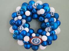 INDIANAPOLIS COLTS FOOTBALL Ornament Wreath switch that to purple and yellow for vikings. win.