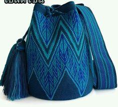 Crochet Stitches Chart, Tapestry Crochet Patterns, Crochet Bag Tutorials, Crochet Crafts, Crochet Cable, Free Crochet, Crochet Handbags, Crochet Bags, Hello Kitty Crochet
