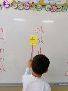 Kindergarten Fun, Kids Playing, Montessori, Activities For Kids, Children, Bass, Writing, Reading, School