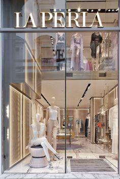 Fashion Shop Interior, Clothing Boutique Interior, Fashion Store Design, Shoe Store Design, Jewelry Store Design, Boutique Interior Design, Boutique Decor, Retail Store Design, Lingerie Store Design