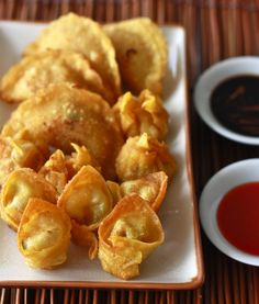 Crispy Golden Dumplings – Fried Wonton & Shui Jiao Crispy Golden Dumplings – Fried Wonton recipe by Season with Spice Wonton Recipes, Appetizer Recipes, Snack Recipes, Cooking Recipes, Snacks, Appetizers, What's Cooking, Easy Asian Recipes, Great Recipes