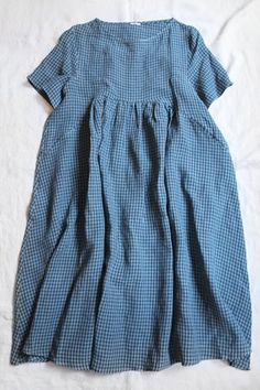 Where can I find a pattern? I love the pockets. Beautiful Outfits, Cute Outfits, Layered Fashion, Slow Fashion, Korean Fashion, Linen Dresses, Minimal Fashion, Sewing Clothes, Dress Patterns